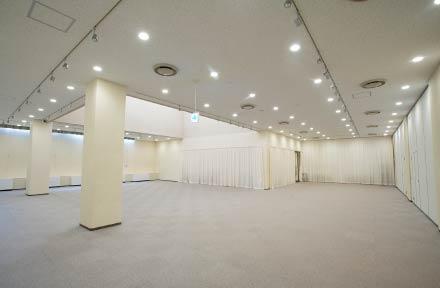 展示室の様子(カーテンを閉めた状態)